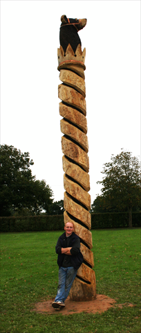 Anthony Hammond with his carved Bererton park story pole