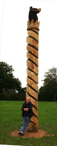 anthony-hammond-with-his-carved-bererton-park-story-pole-3