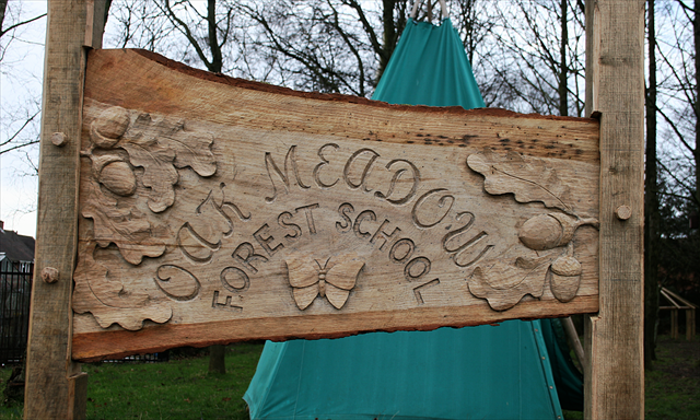 Anthony Hammond carved signage for Oakmeadows forest school